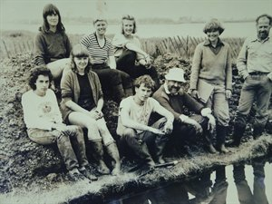 Cunliffe-Excavation-Team-Circa-1980300x225